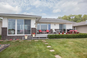 2710 Breezy Heights Drive, Wahpeton, IA 51351