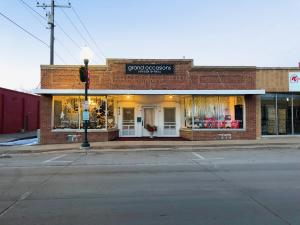 Commercial for Sale at 912 Lake Street