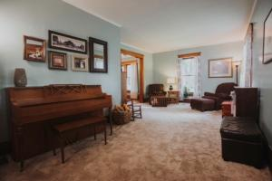 Residential for Sale at 423 Jones Street S