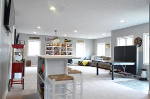 Residential for Sale at 1008 Brooks Lane N