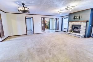 1629 365th Ave Country Club Estate