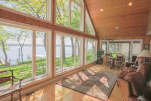 Residential for Sale at 2900 Manhattan Boulevard