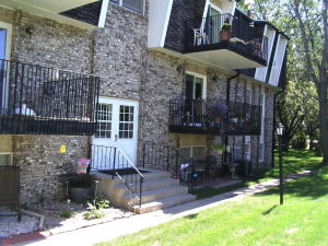 103 N 14th St, #1, Estherville, IA 51334