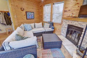 Residential for Sale at 1524 Maplecrest Drive
