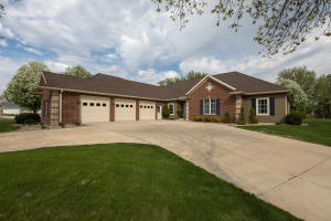 15600 Furman Road, Spirit Lake, IA 51360