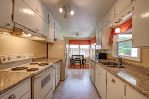 Homes For Sale at 1627 Maplecrest Drive