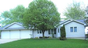 1320 N 15th Street, Estherville, IA 51334