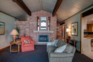 Homes For Sale at 16800 Inner Lane S