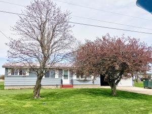 Residential for Sale at 211 4th Avenue SE