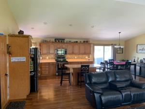 Residential for Sale at 114 Parkside Drive