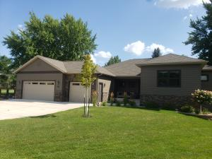 935 Emerald Pines Drive, Arnolds Park, IA 51331