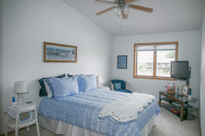 Residential for Sale at 15525 Harbor Drive 3