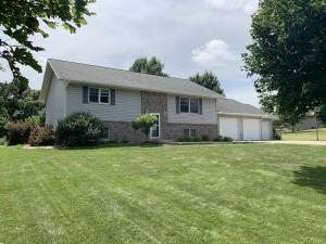1108 Oak Hill Road, Estherville, IA 51334