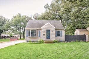 614 W 6th Avenue N, Estherville, IA 51334