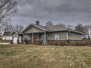2301 Plum Creek Road, Algona, IA 50511