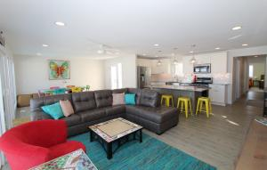 Homes For Sale at 2516 Manhattan Boulevard