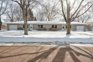 909 - 911 22nd Street, Spirit Lake, IA 51360
