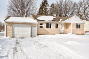 715 N 14th Street, Estherville, IA 51334