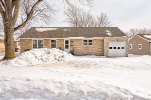 726 N 14th Street, Estherville, IA 51334