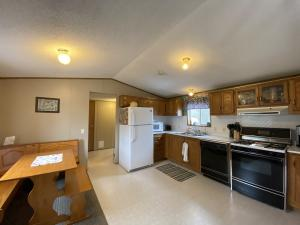 Residential for Sale at 617 Mallard Creek Drive