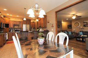 Homes For Sale at 3101 Keokuk Avenue