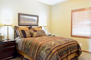 Residential for Sale at 304 Lake Drive D2