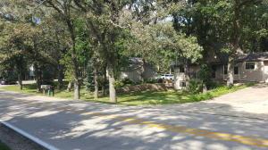 15542 Lakeshore Drive