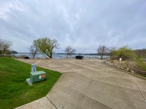 Homes For Sale at 814 Lakeview Drive