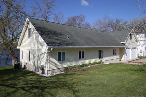 15443 250th Avenue, Spirit Lake, IA 51360