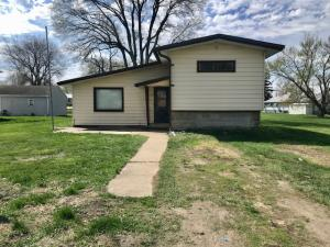 1206 Silver Lake Ave, Ayrshire, IA 50515