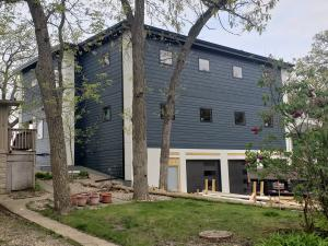 Residential for Sale at 3009 Lakeshore Drive