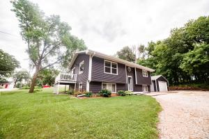16431 255th Avenue, Spirit Lake, IA 51360
