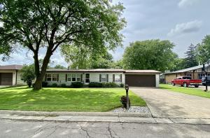 221 N 17th Court, Estherville, IA 51334