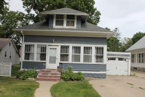 1009 N 6th Street, Estherville, IA 51334