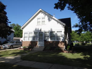 808 N 10th Street, Estherville, IA 51334