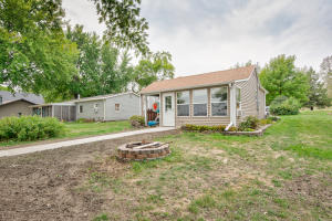 118 Country Club Drive, Lake Park, IA 51347