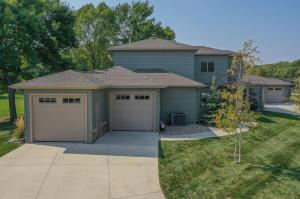 955 Emerald Pines Dr., Arnolds Park, IA 51331
