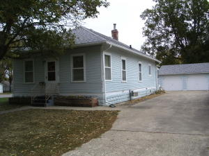 320 N 12th Street, Estherville, IA 51334