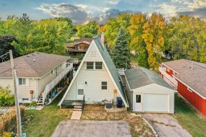 1112 Joy Loy Lane, Milford, IA 51351