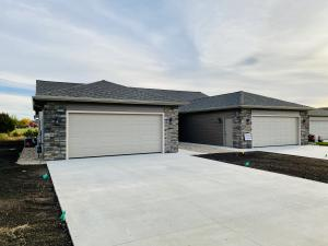 3352 Prairie Meadow Drive, Unit B, Milford, IA 51351