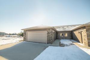 3352 Prairie Meadow Drive, Unit B, Milford, IA 51351