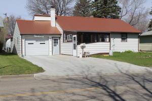 1417 4th Ave NE, Jamestown, ND 58401