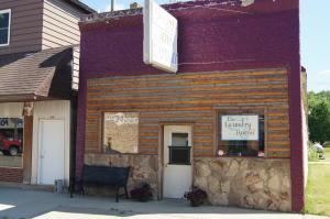 62 Main St, Ellendale, ND 58436