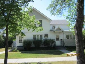 616 2nd Ave SE, Jamestown, ND 58401