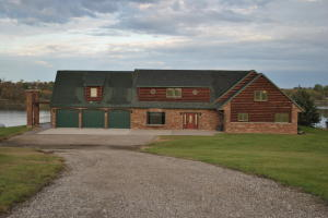 3027 83 1/2 Ave SE, Jamestown, ND 58401