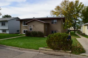 626 7th Ave SE, Valley City, ND 58072