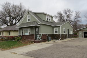 620 5th St NW, Jamestown, ND 58401