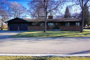 465 5th Ave SW, Valley City, ND 58072