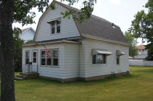 415 5th Ave W, Edgeley, ND 58433
