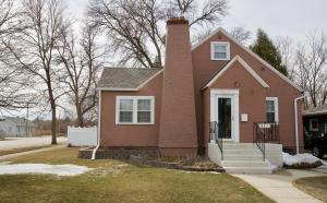 901 3rd Ave NW, Jamestown, ND 58401